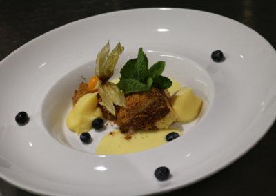dessert-cake-flan-bosbes