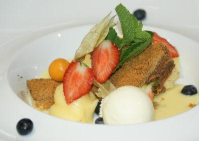 dessert-chocolade-ijs-aardbei-pudding