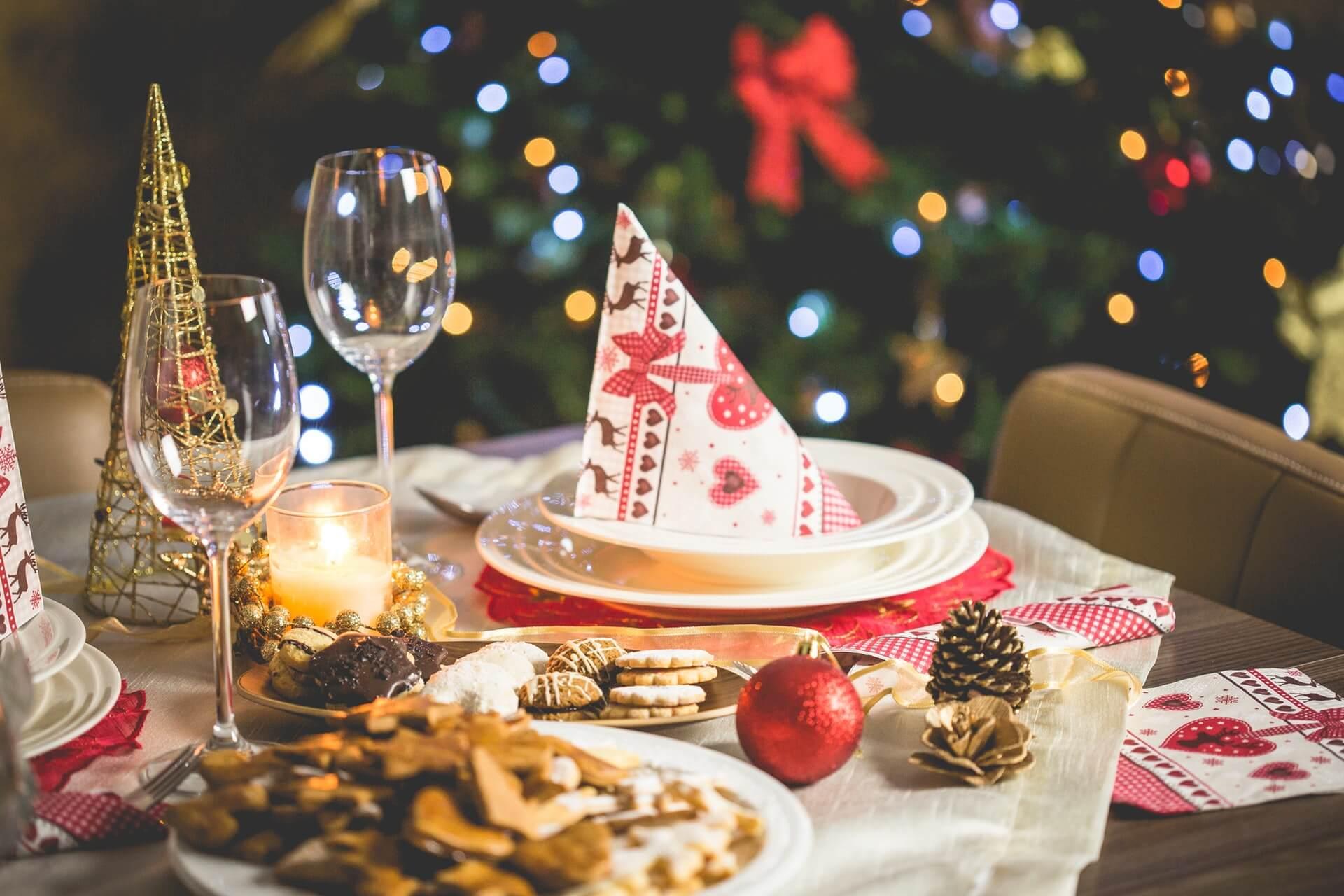 Kerstmis diner tafel gedekt
